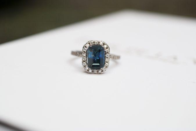 Por que elegir un anillo de compromiso con Zafiro?